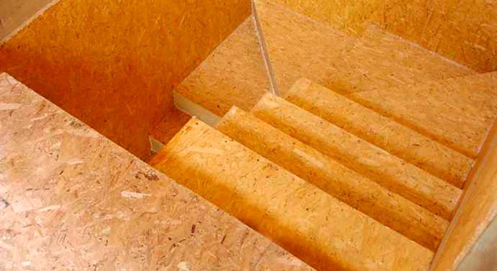 Строительство домов в Крыму - Лестница из СИП-панелей 1